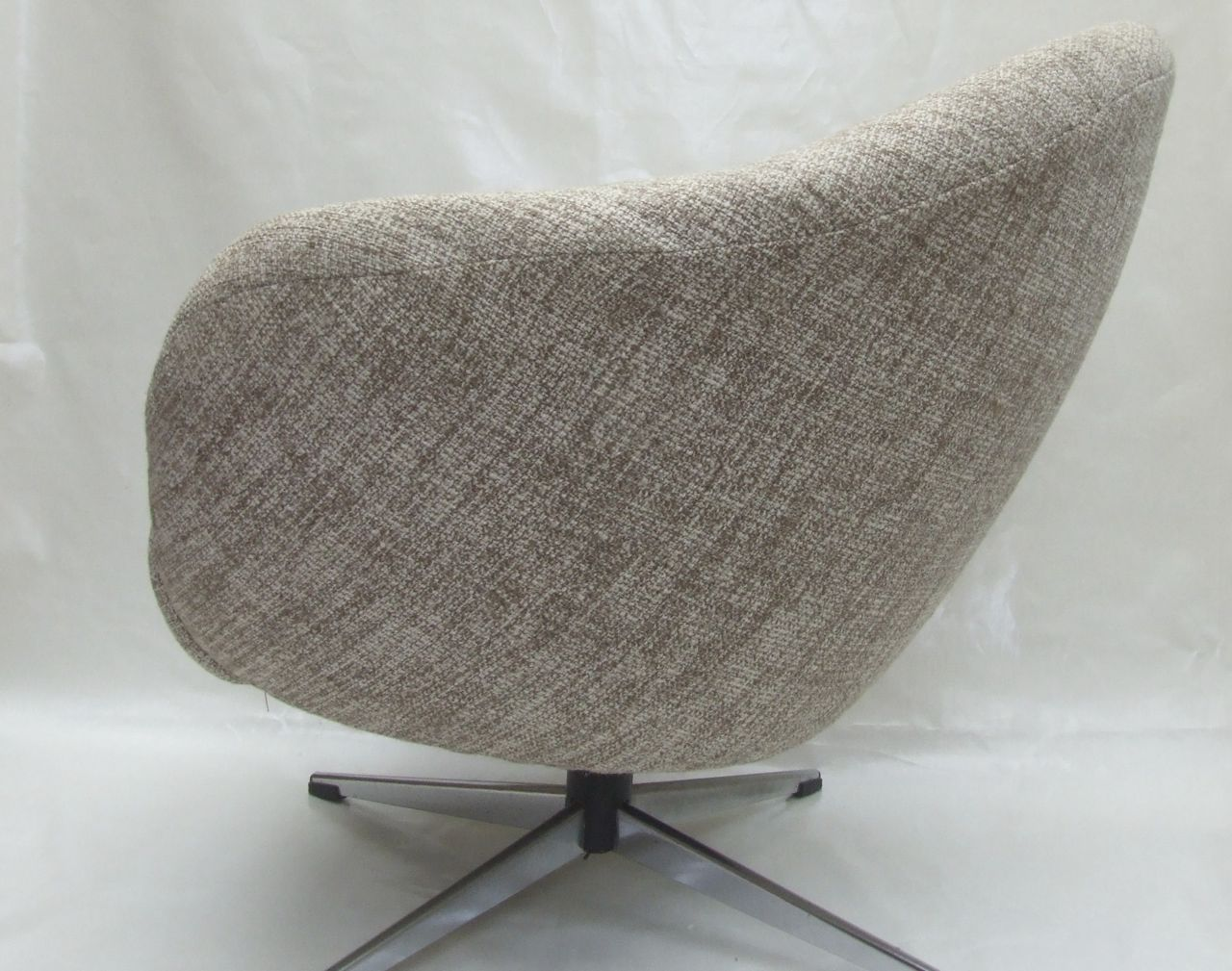 pair of 1960s tub chairs with swivel base maud chairsmaud chairs