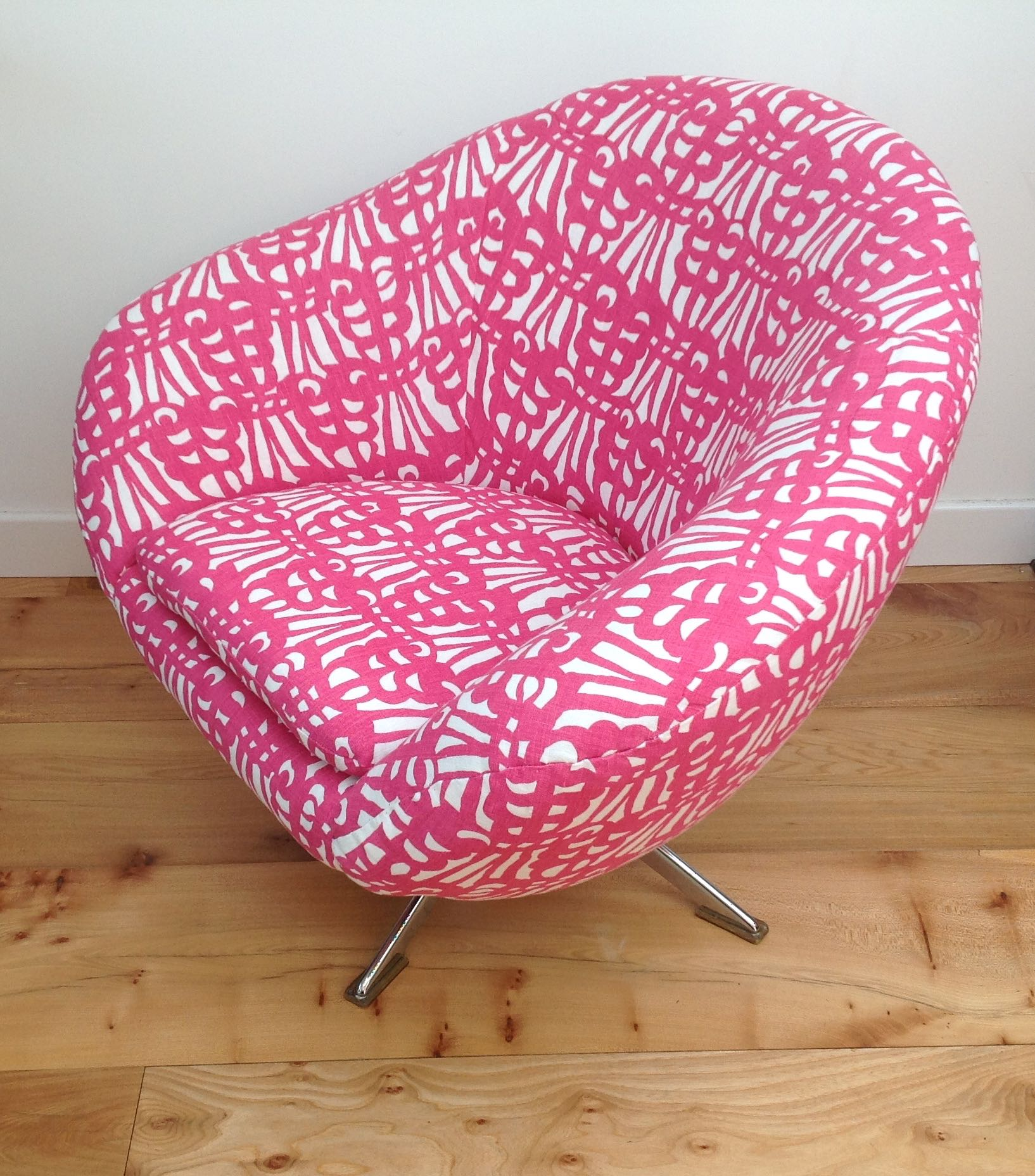 Vintage 1960s 70s egg chair belgian linen maud for Vintage 70s chair