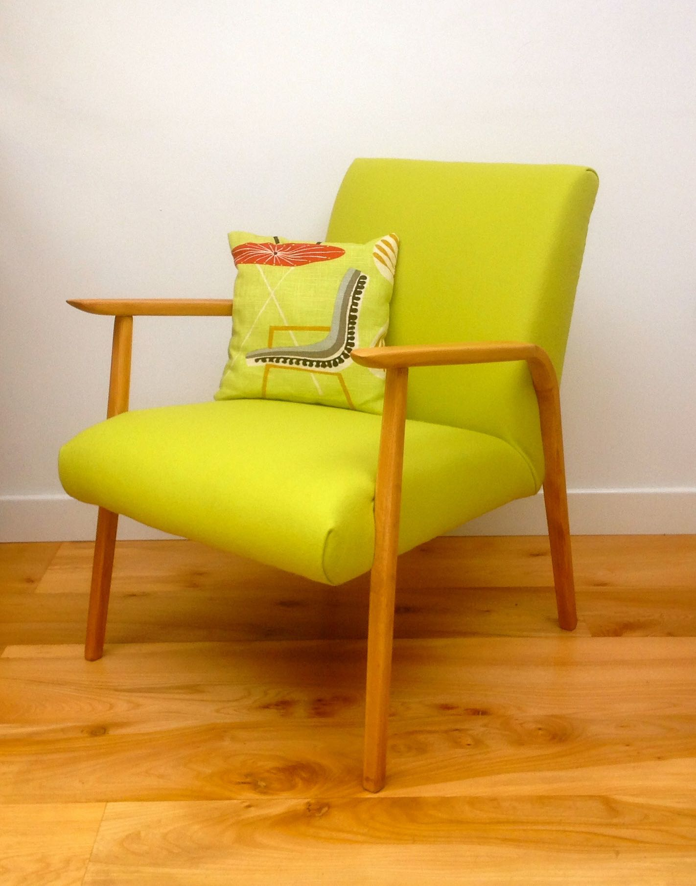 Lovely ... Vintage Danish 50s Lounge Chair Boost   01